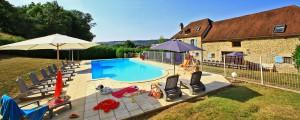 """Gite """"Loëtitia""""pour 21 personnes, avec piscine privée"""